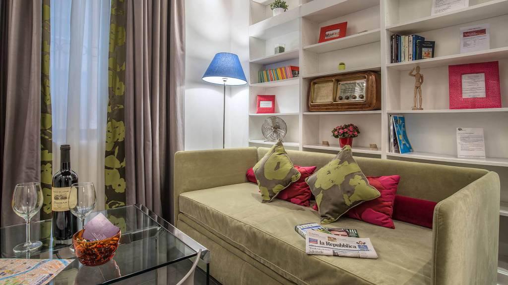 Navona-Colors-Boutique-Hotel-Roma-Appartamento-Soggiorno-2