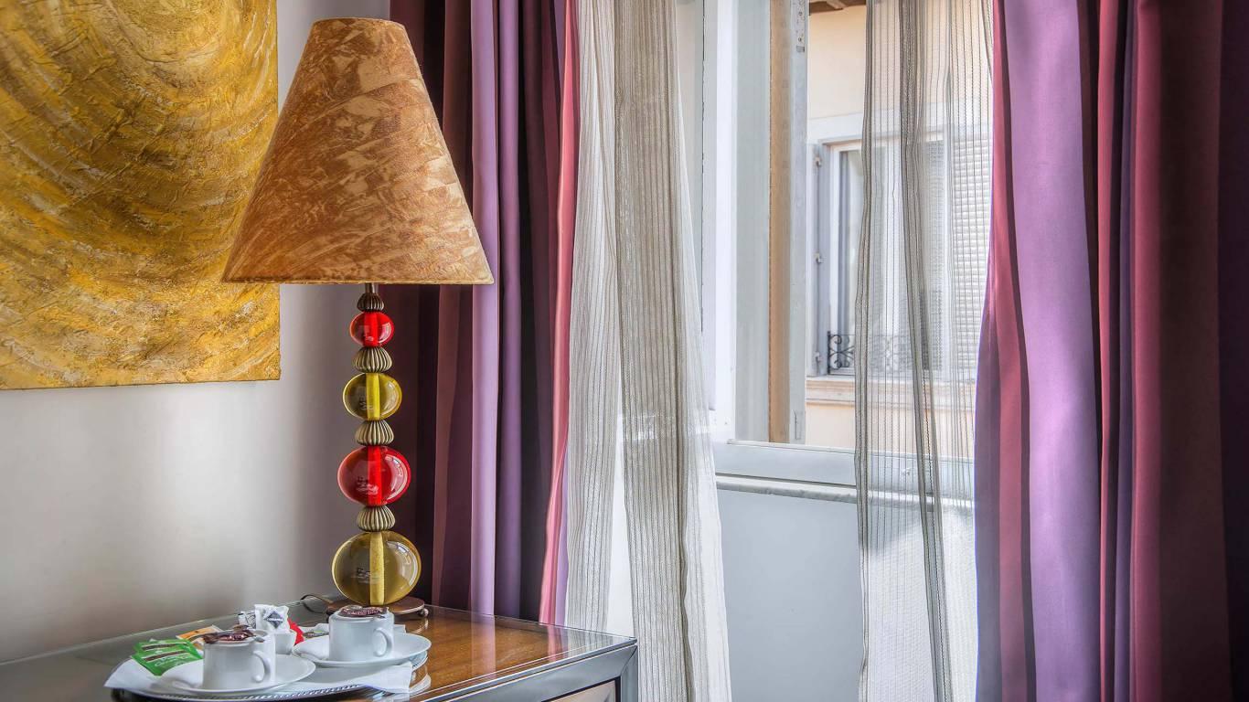 Navona-Colors-Boutique-Hotel-Roma-Camera-Tripla-dettaglio